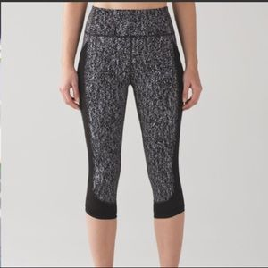 "Like NEW Lululemon Fit Physique Crop (19"")"